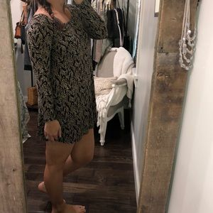 Forever 21 small black & tan floral T-shirt dress